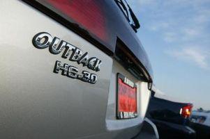 Hvordan erstatte en indre CV Boot på en Subaru Outback