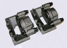 Hvordan å reparere bak skivebremser på 2004 Ford F250 super plikt