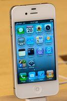 Å få kontakt informasjon fra en iPhone tilbake opp på en PC