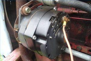 Hvordan installere en 1-Wire GM Dynamo