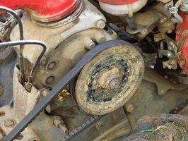 Hvordan fjerne servostyring belter fra en 1996 Nissan Sentra