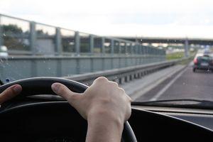 Hvor å fastsette Armrest på en Honda Odyssey