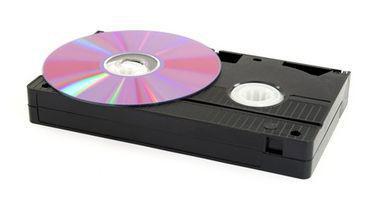 Hvordan sette opp en kabelboks for DVD, TV & Videospiller