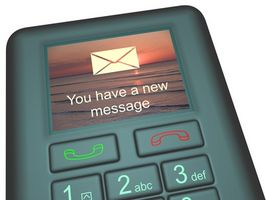 Hvordan å sende en SMS til en celle