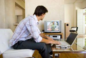 Hvordan spille filmer fra datamaskinen Via en TV-apparatet