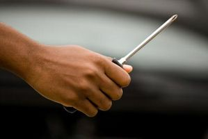 Hvordan fjerne dørpaneler fra en Ford lastebil